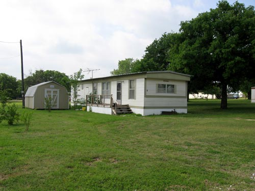 We Offer 2 And 3 Bedroom Mobile Homes For Rent With Stove Refrigerator A C Furnished Plus An Assortment Of Fully Equipped Home Spaces